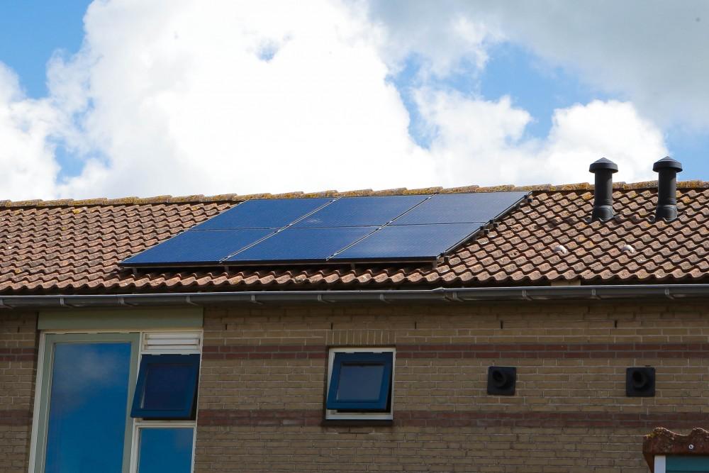 Zonnepanelen voor bewoners van Woonopmaat - Sjoerd Hooftman post de eerste aanbiedingen